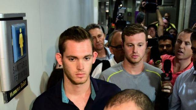 Gunnar Bentz y Jack Conger fueron sacados del avión cuando pensaban abandonar Brasil.