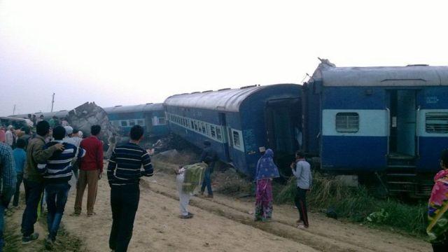 عربات القطار خرجت عن القضبان