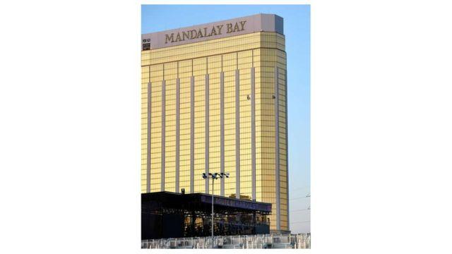 32階の部屋の窓が破られたマンダレイ・ベイ・ホテル