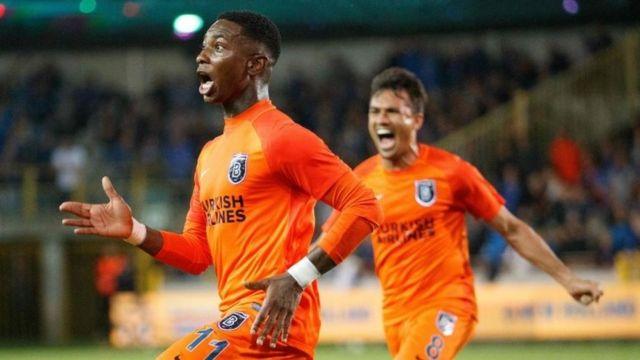 Başakşehir'in sol açığı Elia attığı golün sevincini yaşıyor