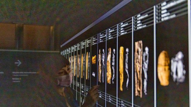 """يفتح المتحف المصري للجمهور """"بحثًا عن الحياة"""" ، غرفة عرض دائمة مخصصة للحياة في مصر القديمة من دراسة الرفات البشرية."""