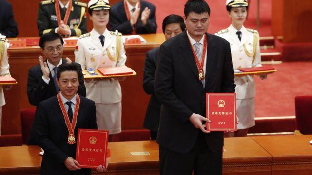 百度李彦宏与姚明被中国当局表彰。