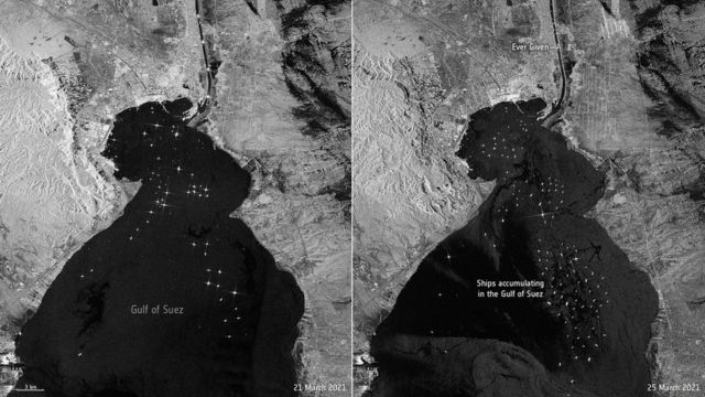 A imagem à esquerda mostra navios esperando para passar pelo Canal de Suez no domingo, 21 de março. A imagem à direita mostra os barcos na quinta-feira, 25 de março, dois dias depois que o Ever Given encalhou