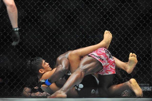MMA မစ်ဒယ်ဝိတ်တန်း ကမ္ဘာ့ချန်ပီယံ ကချင်တိုင်းရင်းသား အောင်လအင်ဆန်းနှင့် ဟဲဗီးဝိတ်တန်း ကစားသမား အန်ဂယ်လာနီ