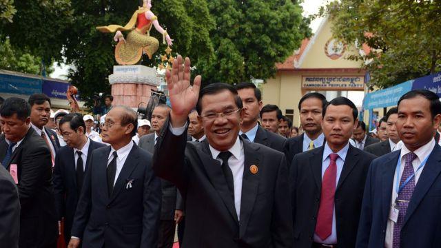 Thủ tướng Campuchia Hun Sen dự lễ của CPP đánh dấu 34 năm ngày Khmer Đỏ sụp đổ hôm 7/1/2013