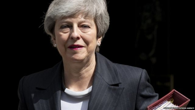 Brexit: No 10 plans to stand firm as PM's future unclear