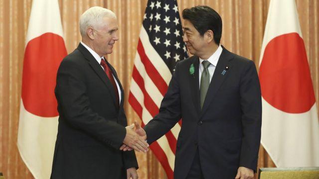Mike Pence dan Shinzo Abe