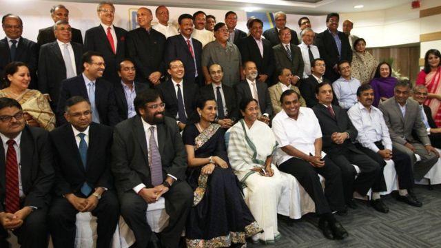 ચંદા કોચર ઉદ્યોગપતિઓ અને નેતાઓ સાથે