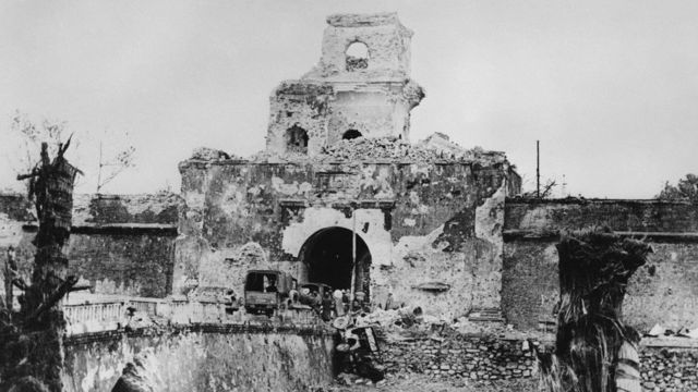 Huế bị tàn phá khủng khiếp trong trận Mậu Thân 1968