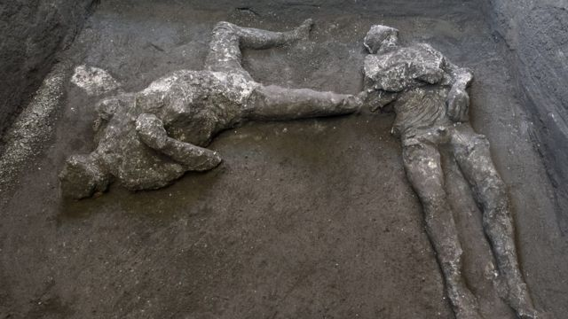 Тела, обнаруженные в Помпеях