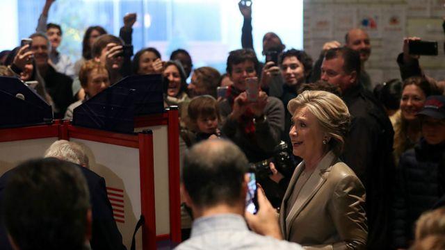 Hillary Clinton a remporté les voix de 218 grands électeurs.