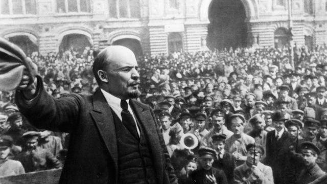 Владимир Ленин выступает в Москве