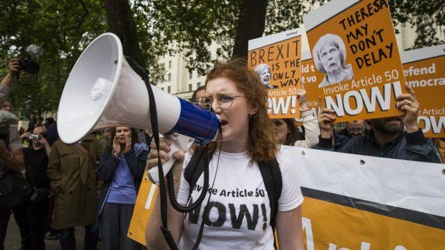 Manifestante a favor del Brexit