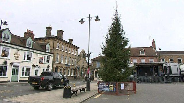 Rochford Christmas Tree restored