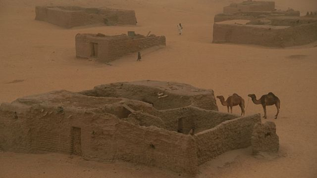 Arawan, the last settlement north of Timbuktu before the empty expanses of the Sahara, Mali, 2002. (Photo by Wade Davis/Getty Images)