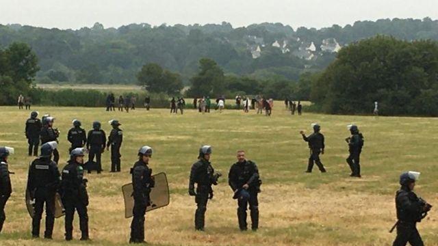 Redon'daki polis memurları