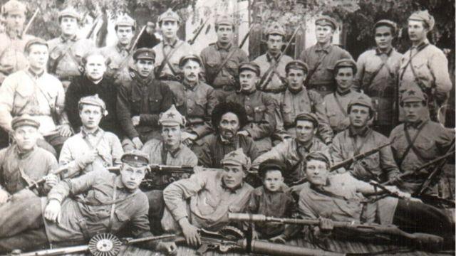 20-жылдардагы ыктыярдуу милиция отрядынын жетекчилери