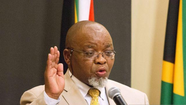 Le ministre sud-africain des mines, Gwede Mantashe, aurait voulu cacher ses relations avec une call-girl.