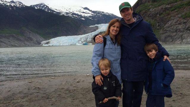 Chad Andrews y su familia