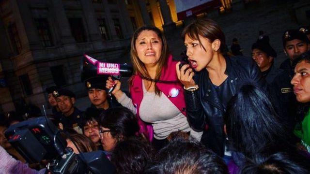 Arlette Contreras durante la marcha Ni Una Menos. Foto: Arlette Contreras.