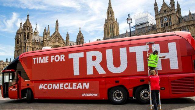 Vote Leave, агитировавшую за выход Британии из ЕС, обвиняют в искажении официальной статистики