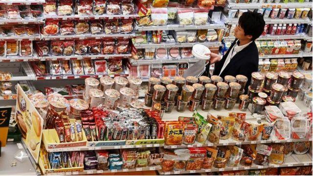 日本のコンビニエンス・ストアの独特な文化 生活の一部になった魔法 ...