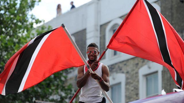 Bandera de Trinidad y Tobago.