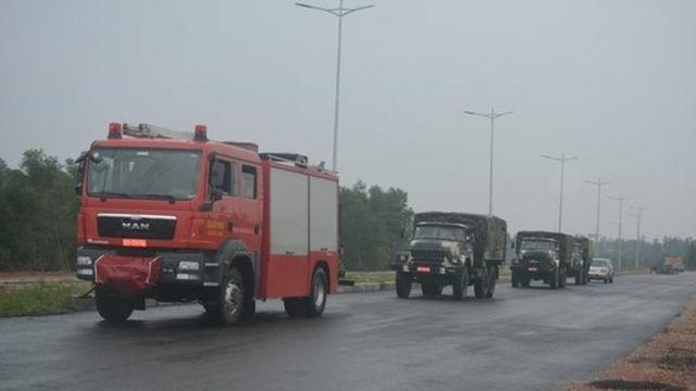 Đoàn xe của Lữ đoàn Công binh 414 cơ động vào hiện trường
