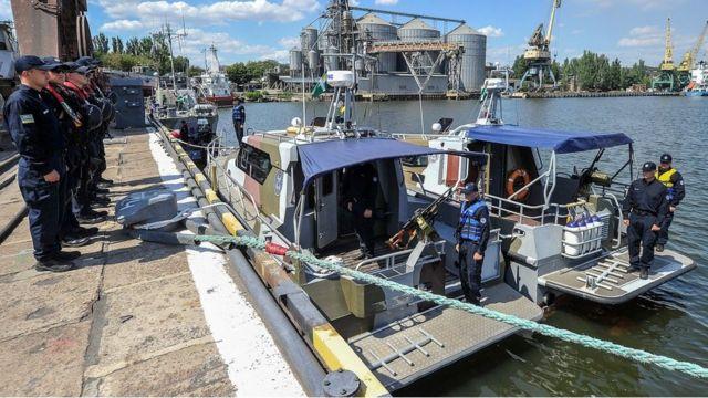 Военные катера Морской охраны Государственной пограничной службы Украины в Мариупольском порту
