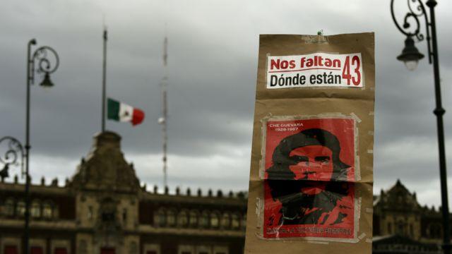 Protesta en Zócalo Ciudad de México
