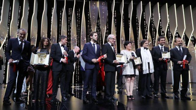 閉会式に並んだ受賞者たち