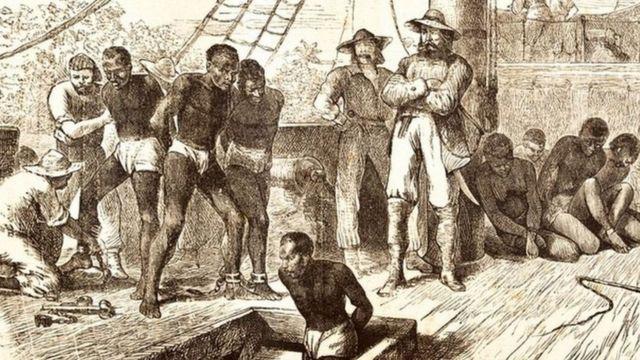 Gravura do século 18 mostra escravos embarcando em navio