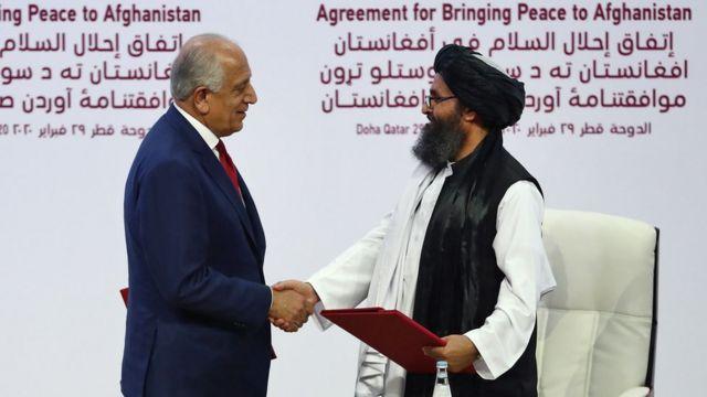 EE.UU. y el Talibán firman un histórico acuerdo que prevé la retirada de  todas las tropas estadounidenses de Afganistán - BBC News Mundo