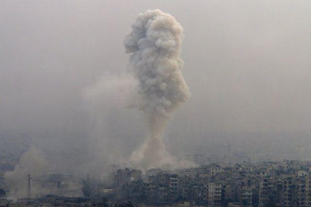 空襲阿勒頗東部