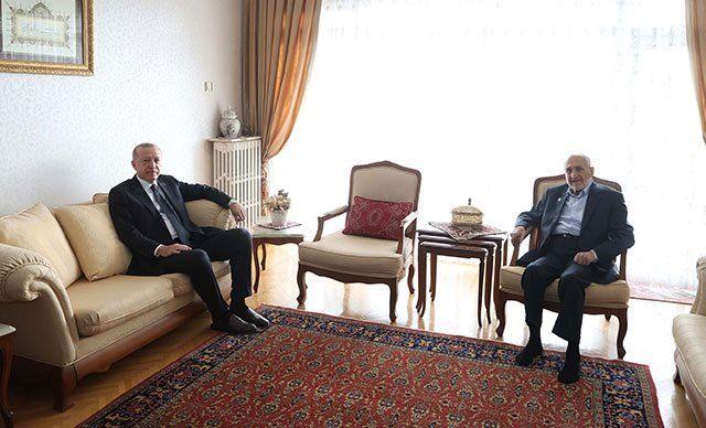 """Cumhurbaşkanı Recep Tayyip Erdoğan, Saadet Partisi Yüksek İstişare Kurulu Başkanı Oğuzhan Asiltürk'ü 7 Ocak""""ta evinde ziyaret etmişti"""