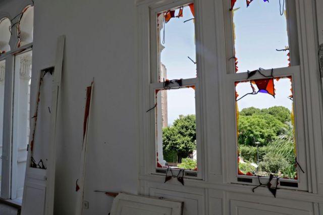 صورة من داخل قصر سرسق بعد الانفجار