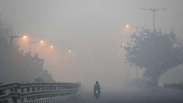 Nta muco uhari i Delhi bivuye ku bintu vyarashwe mu kirere mu gihe c'umusi mukuru wa Diwali