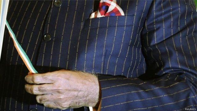 नरेंद्र मोदी का सूट