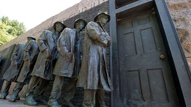 Estatuas de desempleados