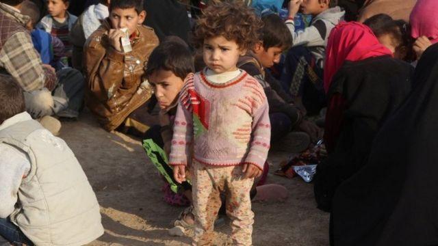مدنيون فروا من البلدات والقرى القريبة من الموصل