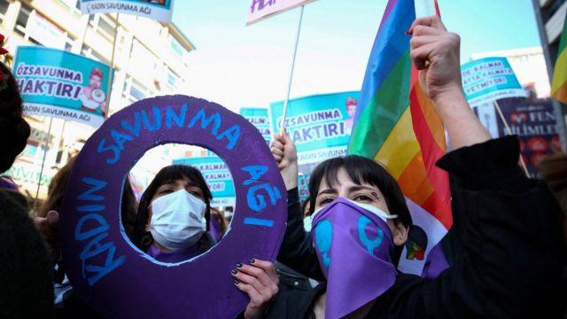 تظاهرات روز جهانی زن در آنکارا ترکیه