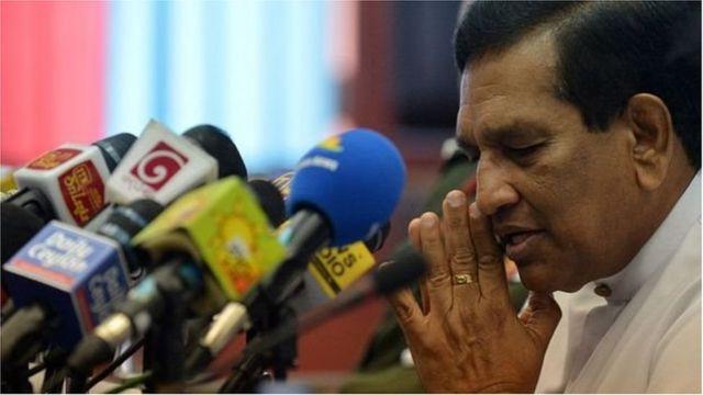"""Selon le porte-parole du gouvernement sri-lankais, Rajitha Senaratne (en photo), les attentats ont été perpétrés par le """"National Thowheeth Jama'ath""""."""