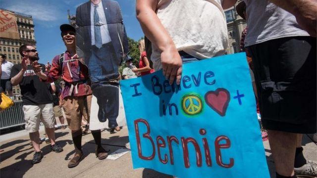 フィラデルフィアにやってきたサンダース支持者たち(24日)