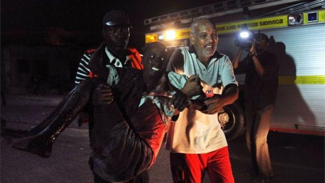 Somalia al-Shabab: Deadly attack on SYL hotel in Mogadishu
