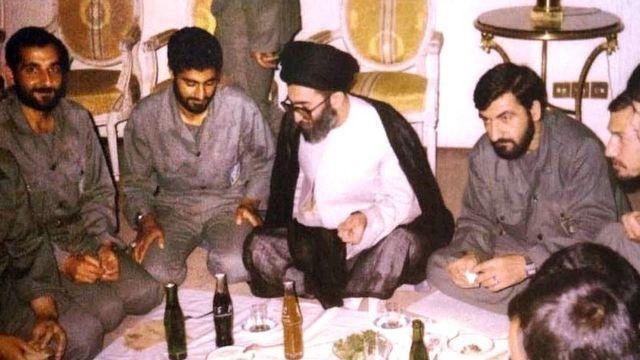 از راست: رحیم صفوی، محسن رضایی، علی خامنهای، قاسم سلیمانی و مهدی باکری