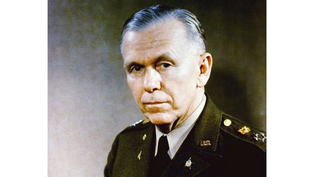George Marshall, ngoại trưởng, bộ trưởng quốc phòng Mỹ, nổi danh với Kế hoạch Marshall