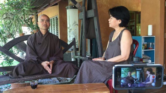 Thầy Pháp Niệm trả lời phỏng vấn của Tina Hà Giang từ BBC Tiếng Việt