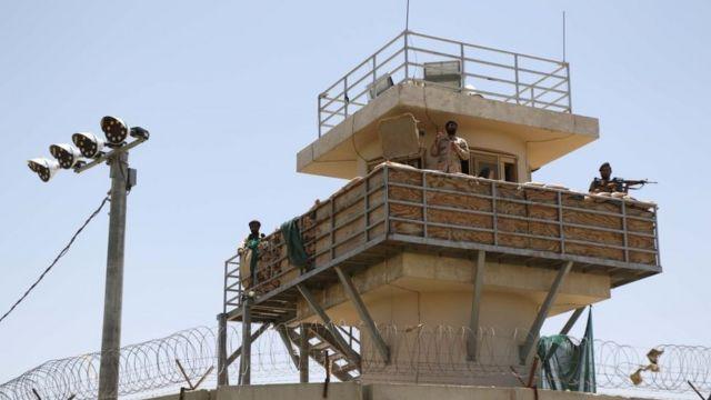 Патрульная вышка на авиабазе в Баграме