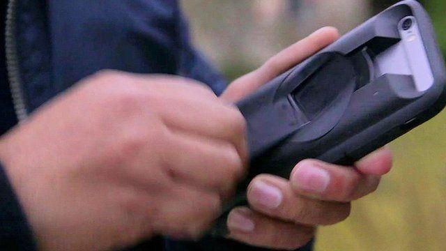 Ampware smartphone crank