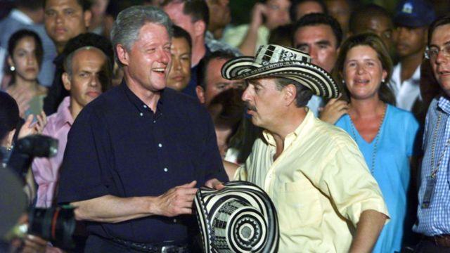 Pastrana y Clinton.